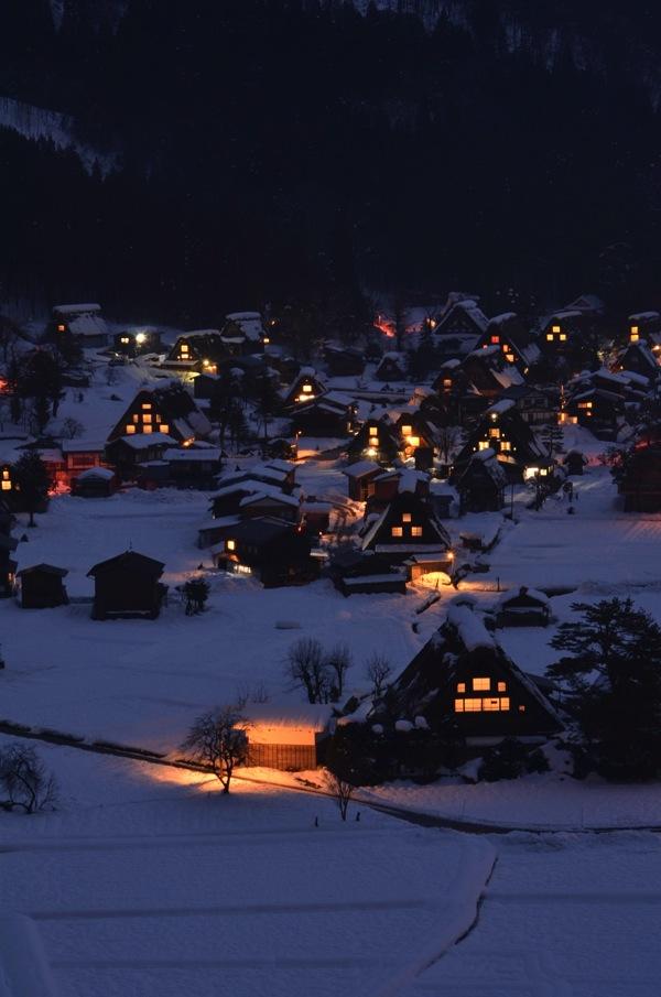 冬の白川郷 夜景
