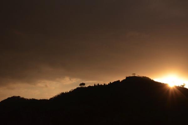 冬の朝来山