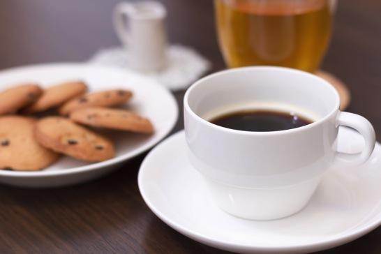 朝の一服の代わりにコーヒーを飲む