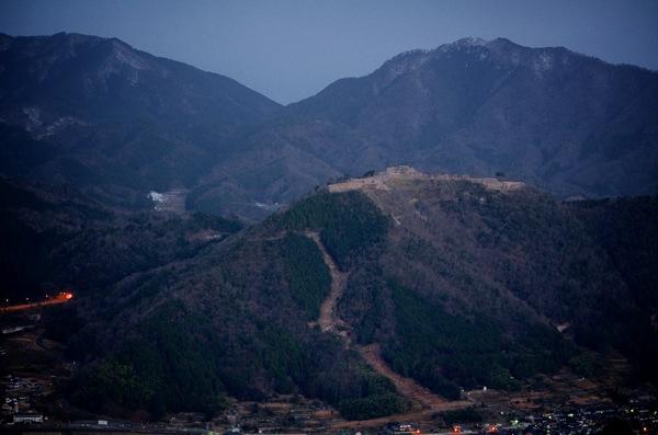 立雲峡から望み竹田城跡