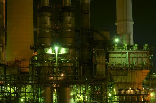 f8の工場の光芒