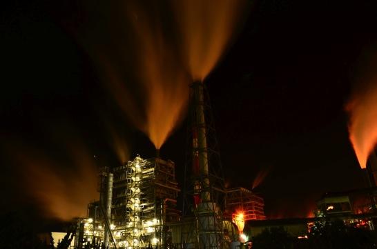 工場夜景色温度
