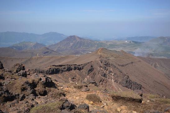 中岳への道