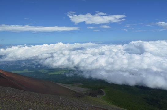 富士山新七合目御来光山荘から見る雲海