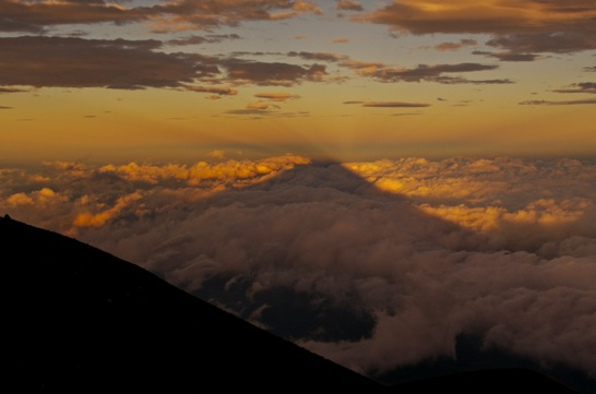 富士山八合目池田館からの影富士