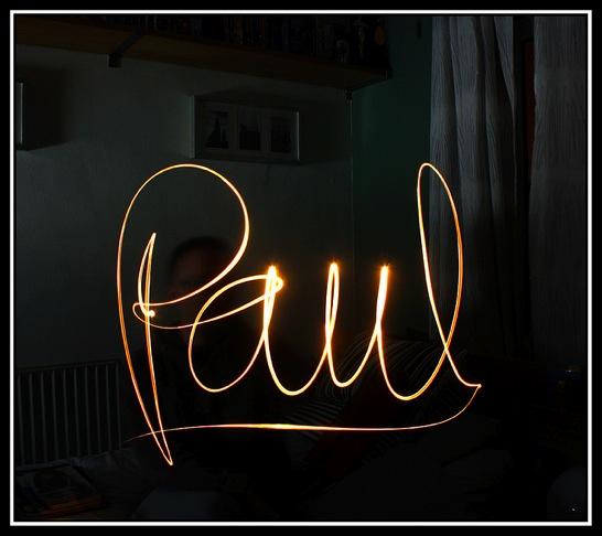 ペンライトで文字を書いた写真