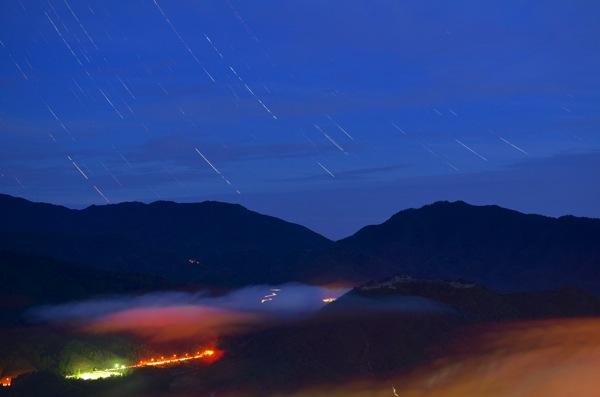 竹田城跡と星の軌跡