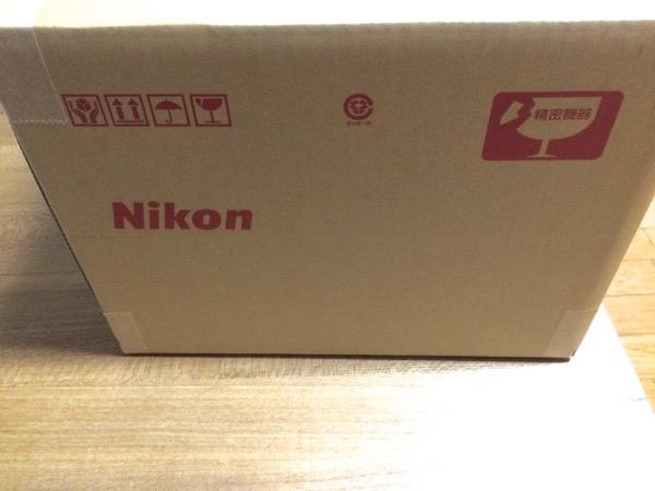 Nikonからのダンボール