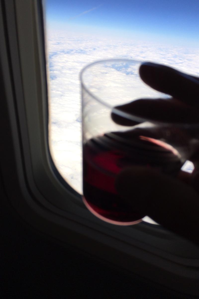 機内でワイン