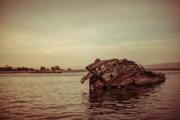 大根島 船の墓場