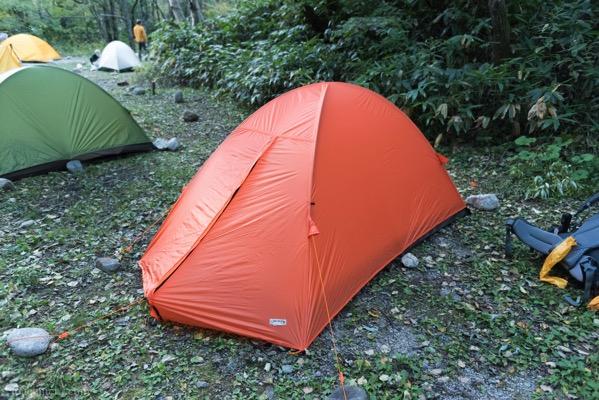 横尾でテント設営