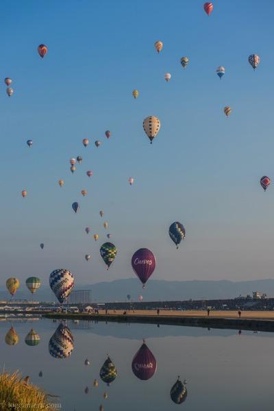 佐賀バルーンフェスタ 気球のリフレクション