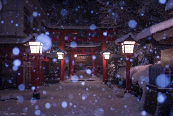 太鼓稲荷神社 入り口 雪