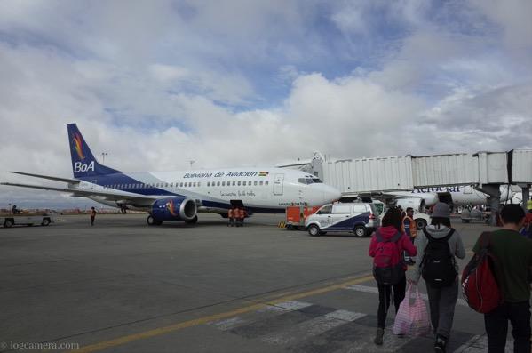 ウユニへの飛行機