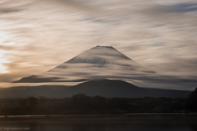 富士山 精進湖 雲