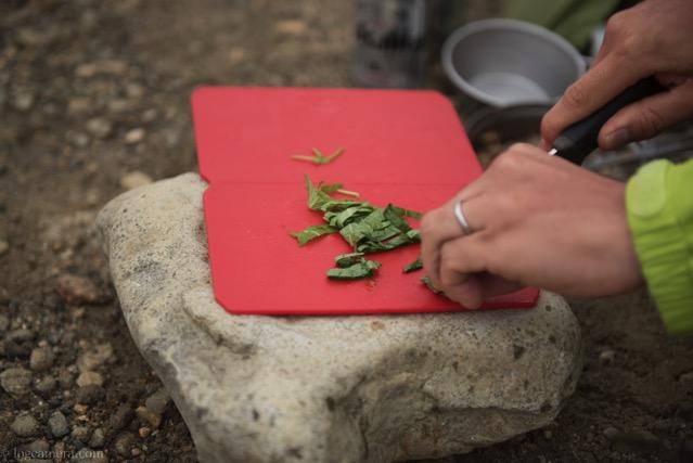 ソトレシピ 鶏肉の梅しそ炒め