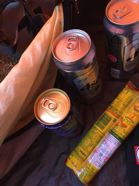 テントでビール