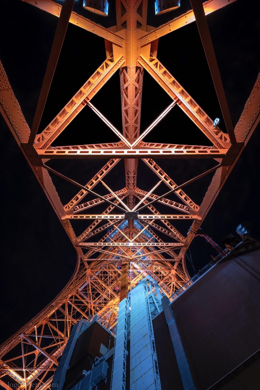 東京タワー 下から