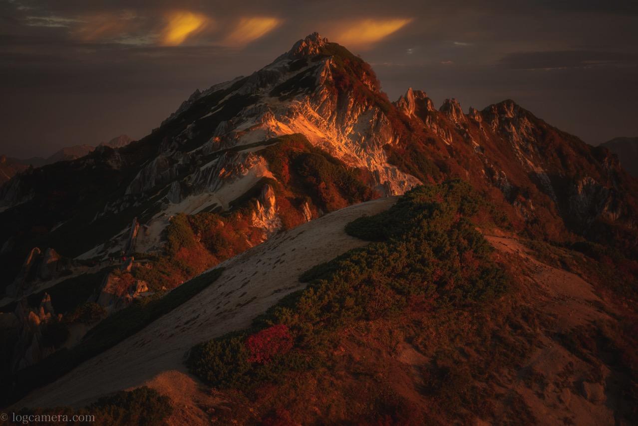 朝焼けの燕岳