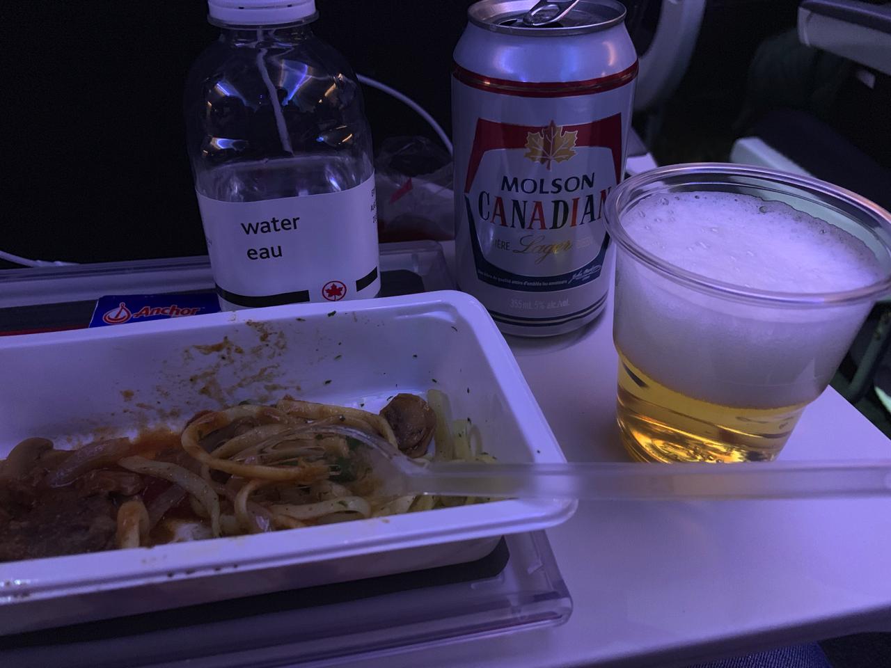 エアカナダ ビール