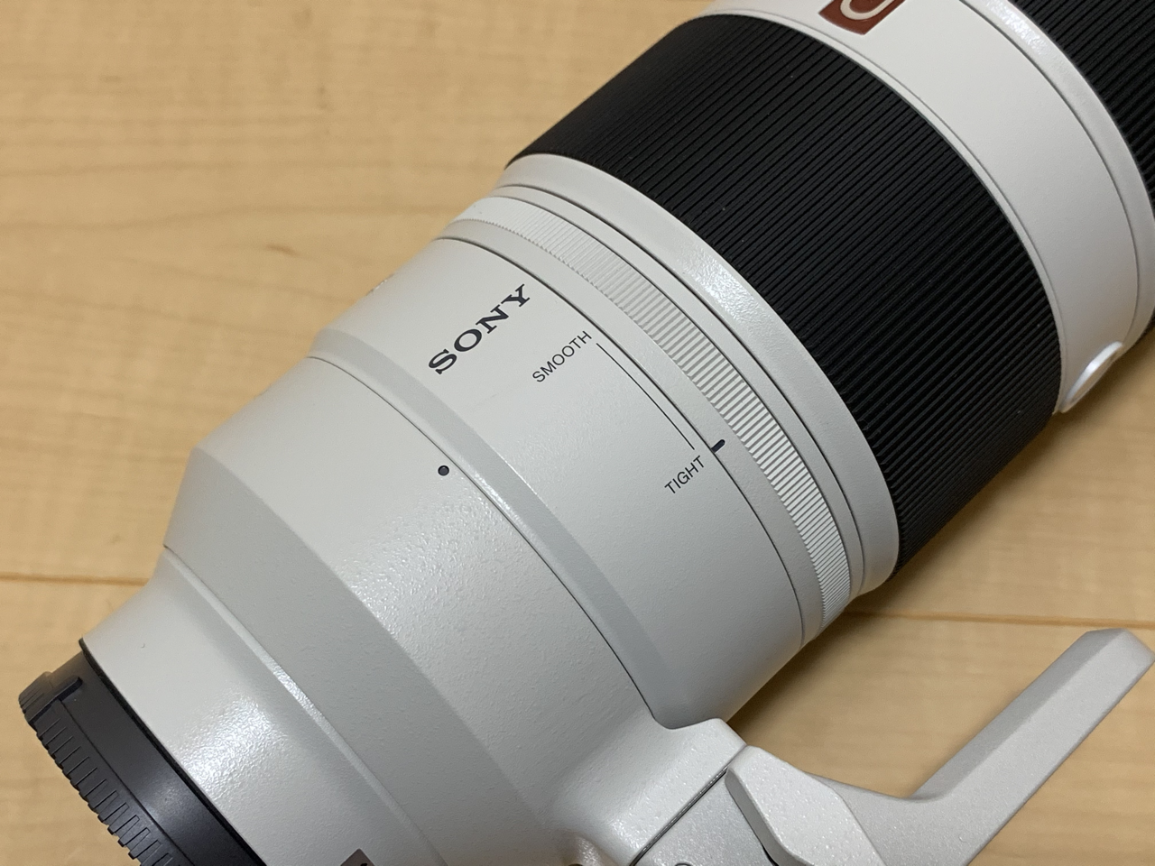 FE 100-400mm F4.5-5.6 GM OSS ズームリングの硬さを調節できる