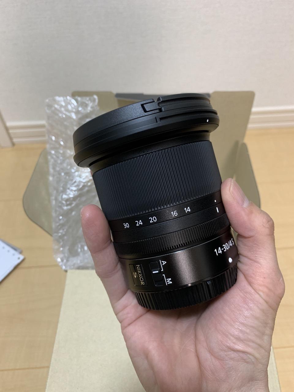 NIKKOR Z 14-30mm f/4 S サイズ