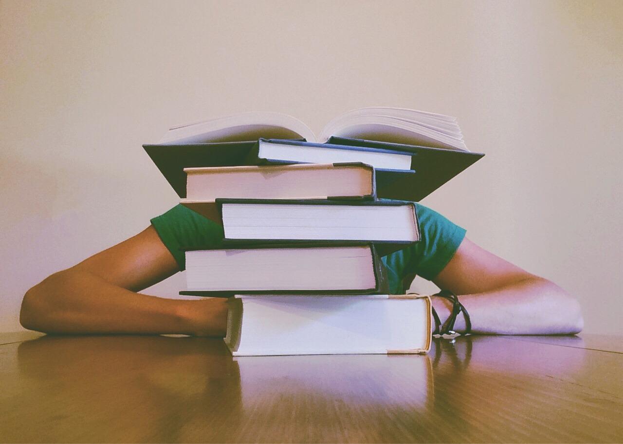 Books 927394 1280