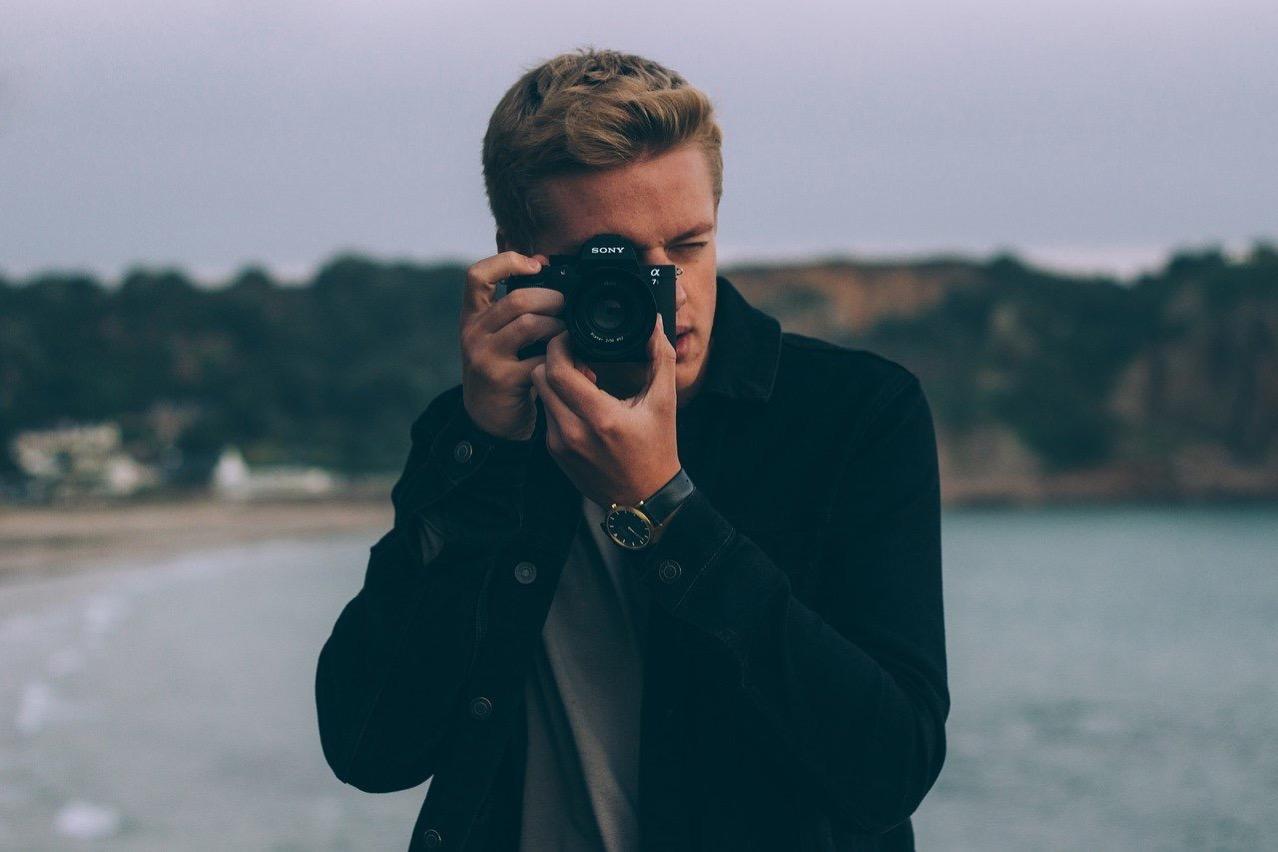 Photographer 1867417 1280