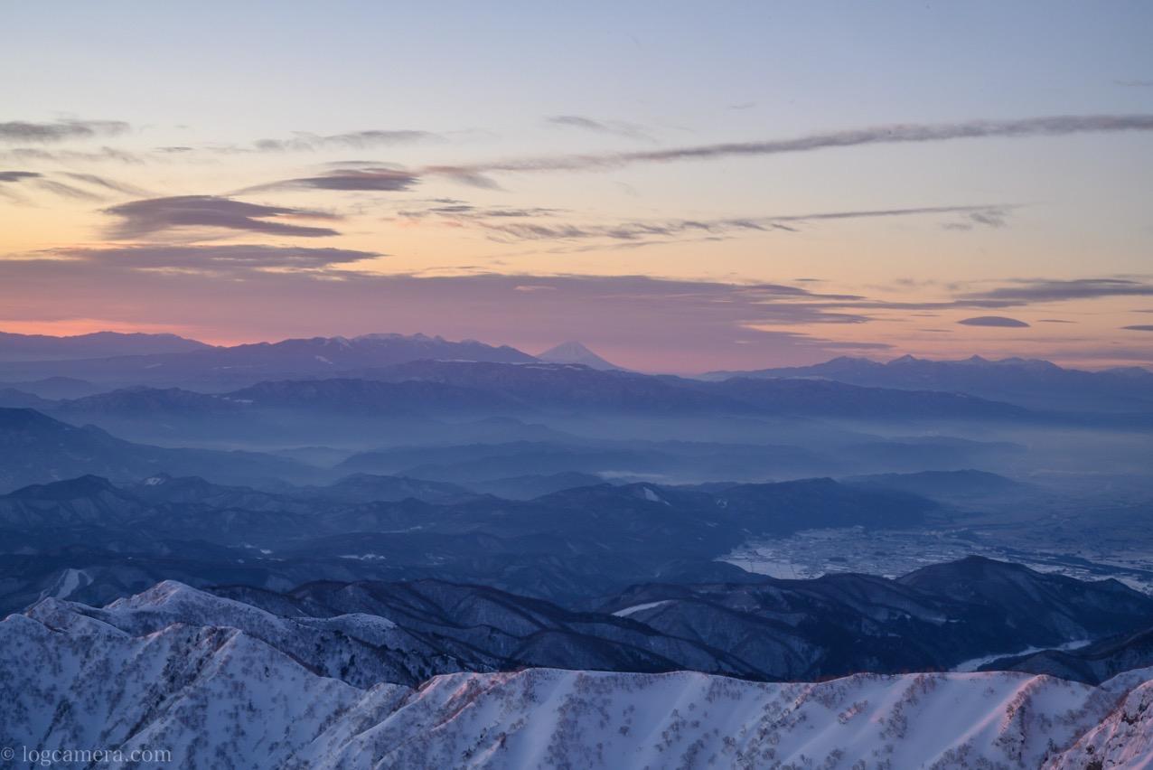 唐松岳頂上山荘から望む富士山