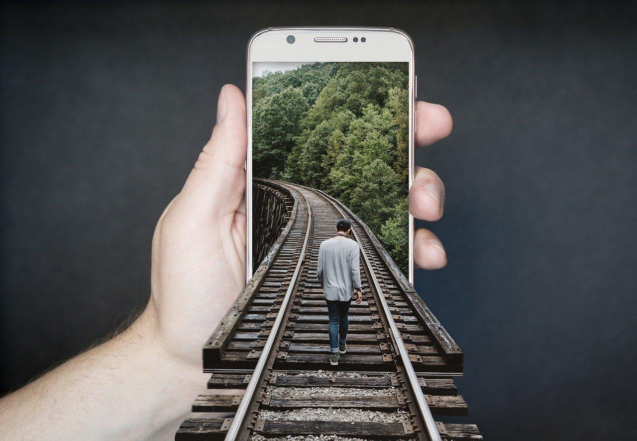Manipulation smartphone 2507499 1280